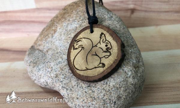 Amulett Eichhörnchen Eiche