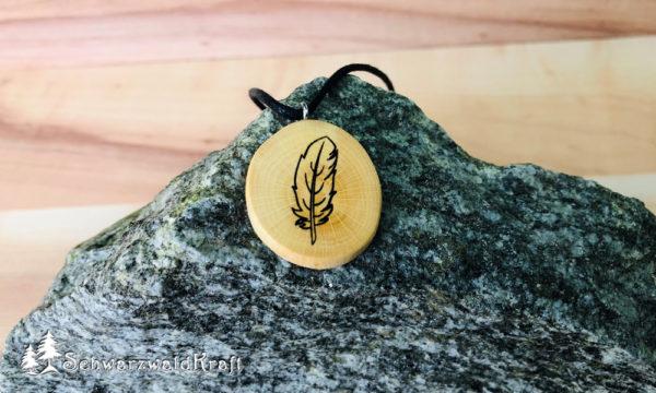 Amulett Feder ohne Rinde Buche