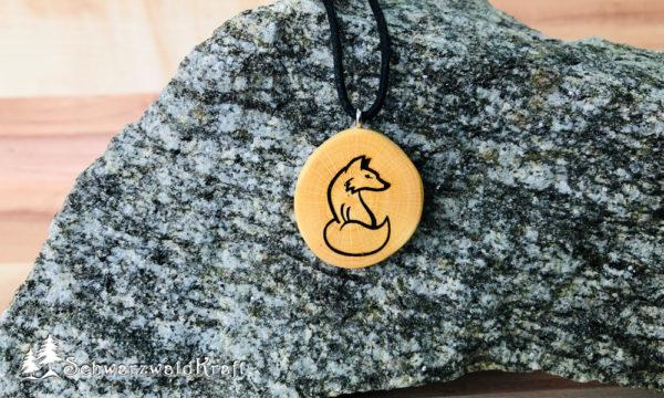Amulett Fuchs ohne Rinde Buche