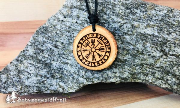 Amulett Vegvísir Erle