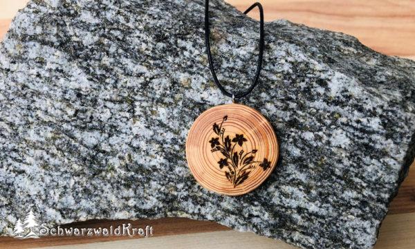 Holzanhänger Flower ohne Rinde Lärche