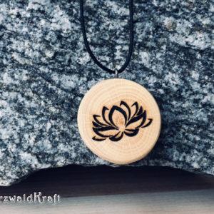 Holzanhänger Lotusblüte ohne Rinde Buche