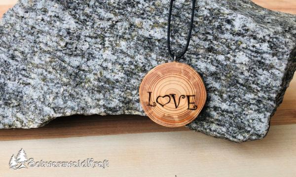 Holzanhänger Love ohne Rinde Lärche