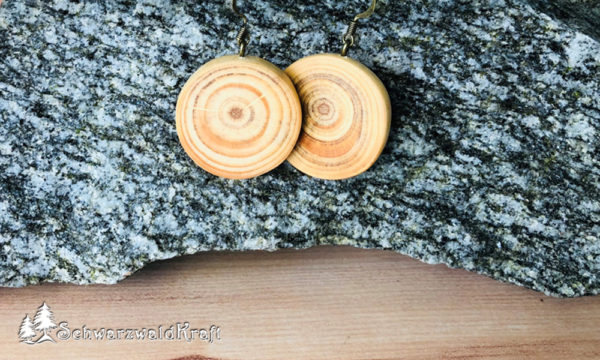 Ohrhänger aus Holz Pur Kiefer Bronze