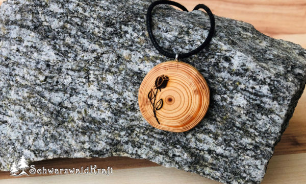Holzanhänger Rose ohne Rinde Lärche