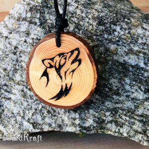 Amulett Wolf Erle mit Rinde
