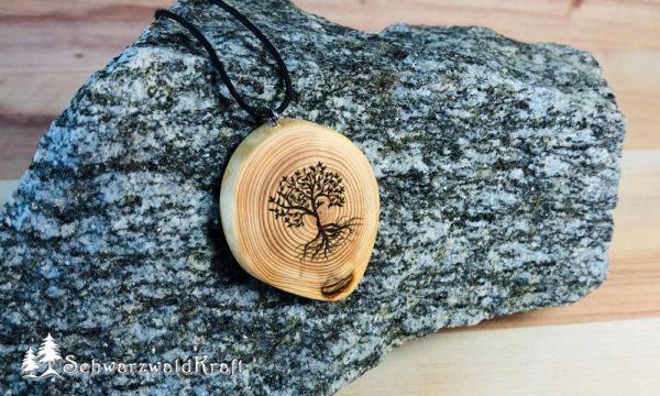 Amulett Baum des Lebens Lärche ohne Rinde