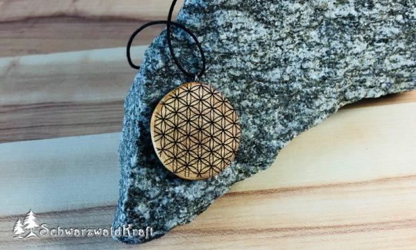 Amulett Blume des Lebens Lärche ohne Rinde