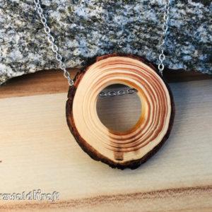 Halskette mit Holzanhänger Douglasie und Kette