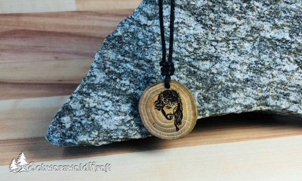 Amulett Jesus Eiche mit Rinde