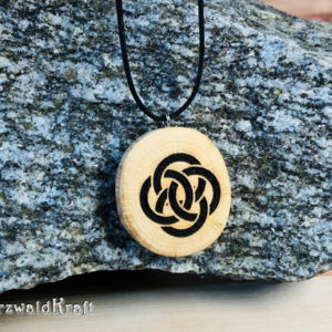 Amulett Keltischer Knoten Buche ohne Rinde