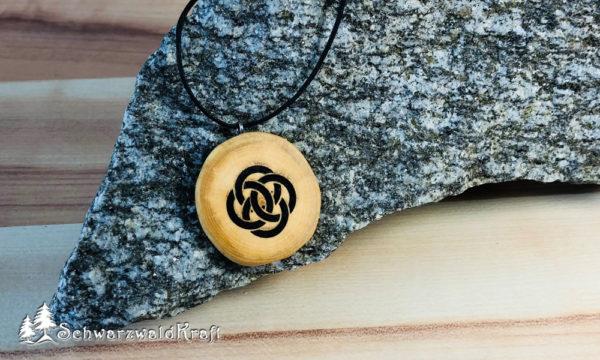 Amulett Keltischer Knoten Kirsche ohne Rinde