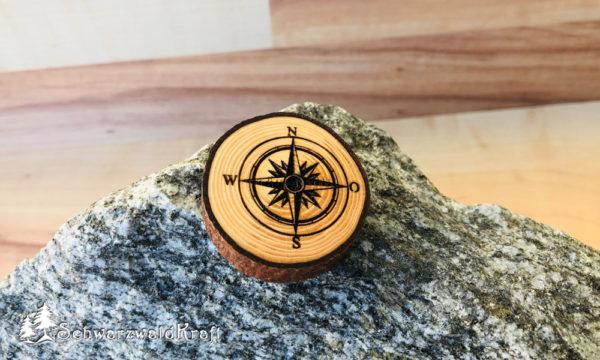 Halskette Motivanhänger mit Rinde Fichte Kompass