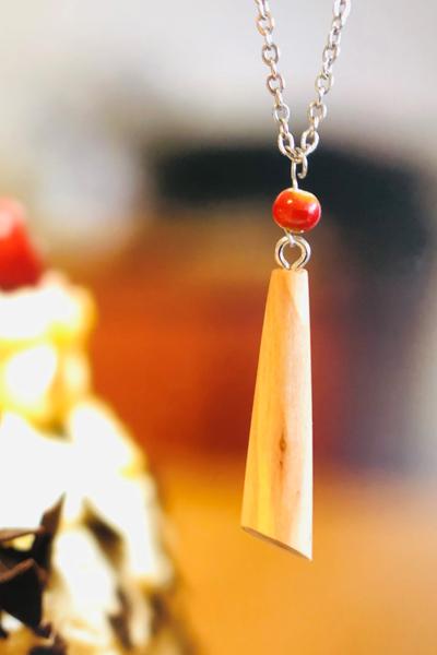 """Halskette mit Holzanhänger """"Drop elegant"""""""